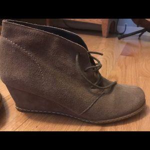Size 8 Franco Sarto tie up Wedge booties